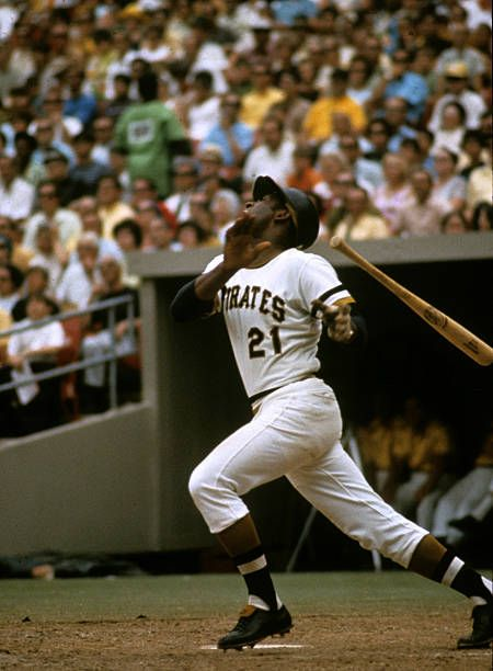 Right Fielder Roberto Clemente Of Pittsburgh Pirates Roberto Clemente Pittsburgh Pirates Baseball Award