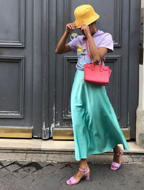 What to Wear in May: 11 Spring Must-Haves We're Buying Into | Who What Wear UK #womanoutfits #fashionoutfits #springsummer2019 #ss19 #trendyoutfit #womanfashion #trendystyle #outfitinspo