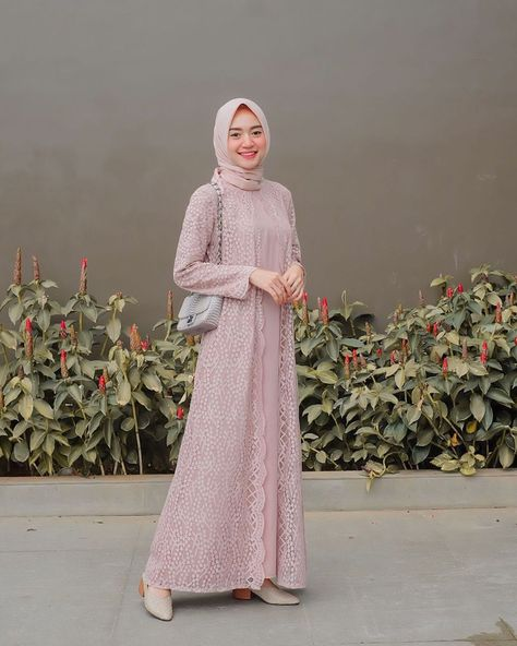 Dress Brokat Muslim, Dress Brokat Modern, Muslim Dress, Kebaya Muslim, Kebaya Modern Hijab, Model Kebaya Modern, Muslim Fashion, Hijab Fashion, Fashion Outfits