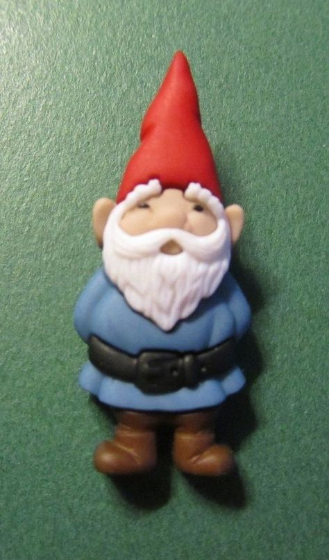 "1 -1 1/2"" GARDEN GNOME in BLUE PLASTIC SHANK CRAFT EMBELLISHMENT BUTTON-Lot#120x"