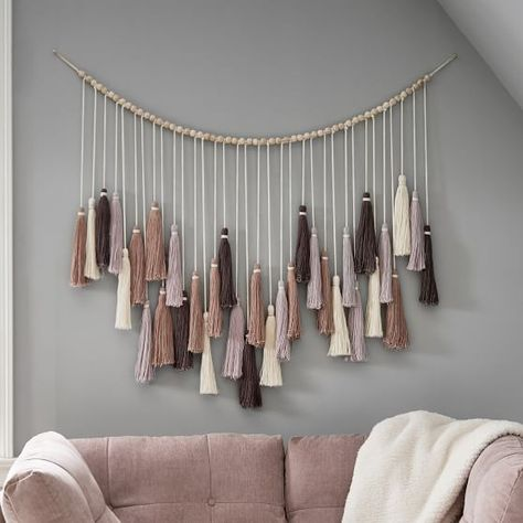 Our Oversized Tassel Garland brings natural, well-crafted detail to your space. Large tassels in a neutral palette make for a whimsical addition to your walls. DETAILS YOU& APPRECIATE Macrame Wall Hanging Diy, Hanging Art, Macrame Mirror, Wall Hanging Crafts, Macrame Curtain, Macrame Bag, Macrame Knots, Pottery Barn Teen, Boho Diy