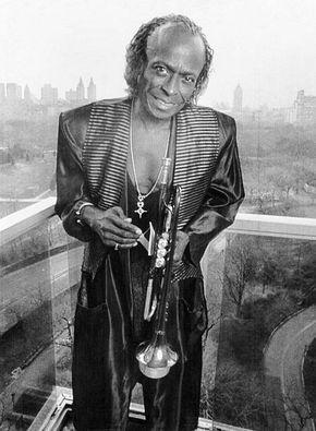 Trumpeter Miles Davis In New York Jazz Trumpeter Miles Davis Stands On The Balcony Of His Apartment Overlooking Central Miles Davis Jazz Artists Jazz Musicians