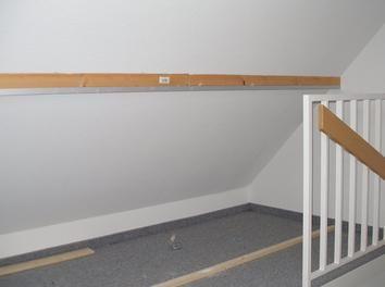 Grundleiste Und Deckenleiste Ausrichten Anbringen Dachschrage Dach Bauanleitung