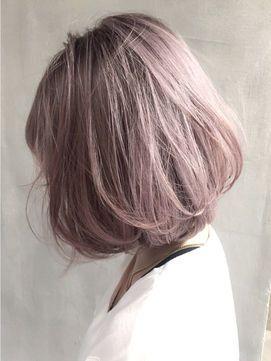ツヤ感のあるキュートなピンク系ミルクティーカラー 髪 色 ヘアカラー ヘアスタイル