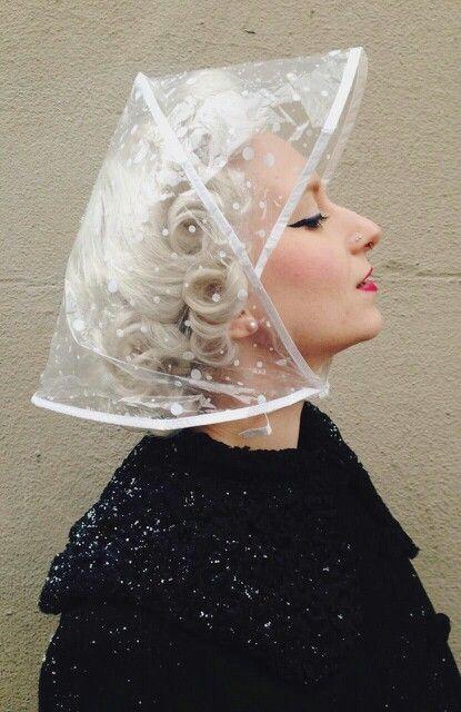 Bonnet de Pluie Rain Hat// Rain Hood Clear with white Spots New Rain Bonnet