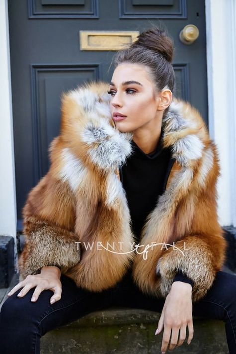 1474565d3 Red Fox Fur Full Pelt Coat with Hood. Next day delivery available,  worldwide shipping. Premium fox fur, perfect for your Autumn Winter wardrobe