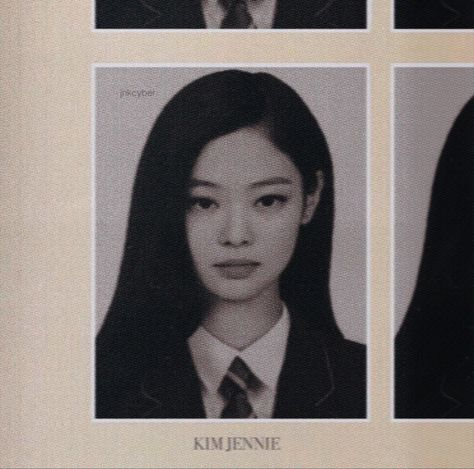 Kim Jennie, Passport Pictures, Kpop Posters, Blackpink Photos, Cute Actors, School Photos, Blackpink Jisoo, Cute Gay, Kpop Aesthetic