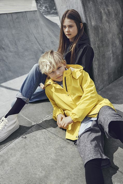 For the young and the brave! – updated kids rainwear from the new danish label SWAYS.  Photo by Jannick Boerlum. Read more in MILAN Magazine: http://www.milan-magazine.de/sways-kinder-regenjacken/    #sways #rains #arainsoriginal #ss16 #rainwear #regenkleidung #rainjacket #regenjacke #theyoungandthebrave #modernadventurer #outdoor #thegreatoutdors #JannickBoerlum #fashionphotography #kidswear #kidsfashion #fashionforkids #childrensfashion #kindermode