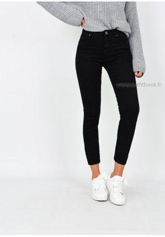 93e3dd5f07cd23 Top brodé noir avec effet plissé en 2019 | -fashion- | Pantalon ...