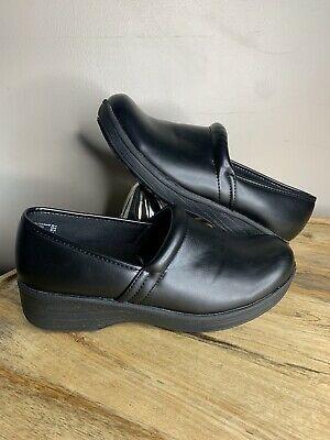 Clogs shoes, Ladies slips, Clogs