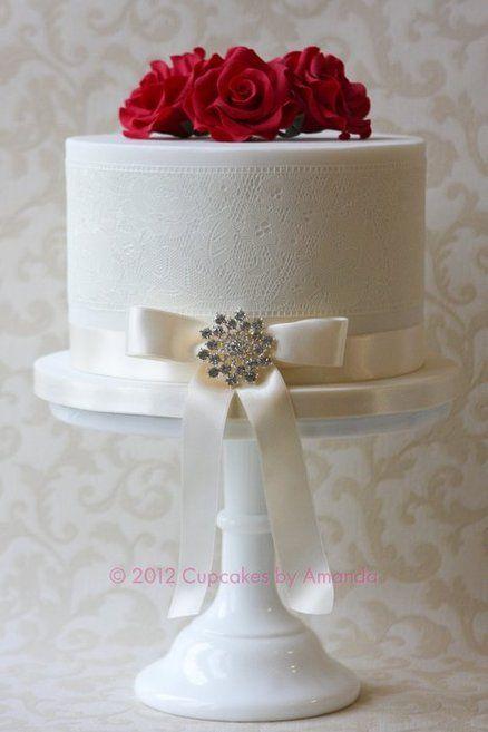 Red Rose Sugarveil Wedding Cake