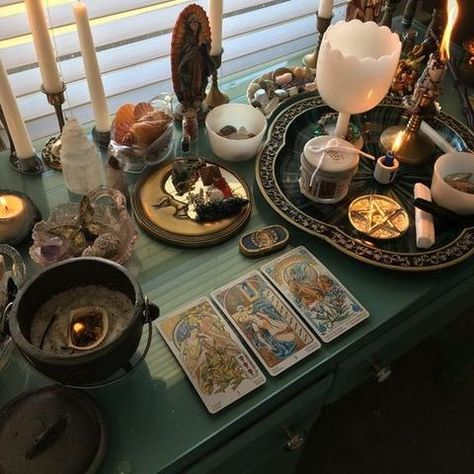 Instead of the clutter have drawers like I described in chapter but I like the vibe of this altar. Autel Wiccan, Wicca Altar, Wiccan Decor, Witchcraft, Magick Spells, Witch Room, Baby Witch, Altar Decorations, Witch Aesthetic