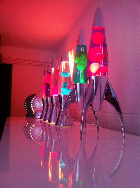 I have always wanted a lava lamp. I can still look at photos of lava lamps. Room Ideas Bedroom, Diy Room Decor, Bedroom Decor, Home Decor, Neon Room Decor, My New Room, My Room, Dorm Room, Cool Lava Lamps