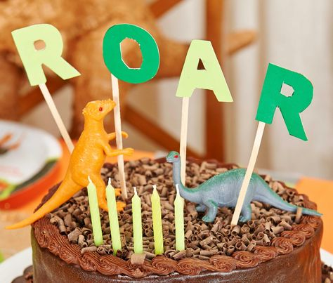 Fun cake decor idea for you #Dinsosaur #Birthday #Party! #dinosaurcake