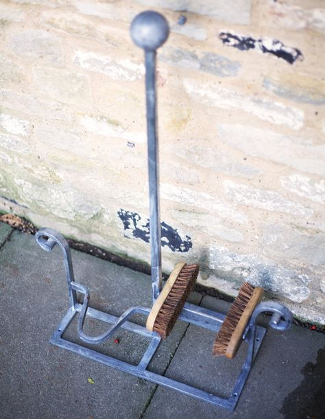 Welly Boot Scraper Shoe Brush Jack Puller Cleaner Garden Mud Remover