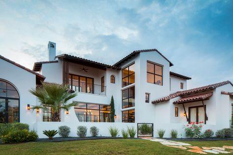 Mediterranean homes – Mediterranean Home Decor Spanish House Design, Spanish Style Homes, Style At Home, Coban, Spanish Modern, Spanish Colonial, Spanish Exterior, Plans Architecture, Spanish Architecture