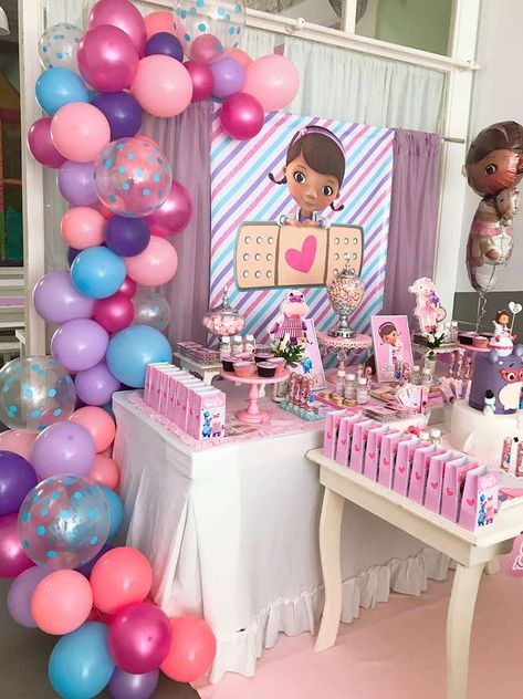 The dessert table at this Doc McStuffins birthday party is stunning! - Catch My Party - Birthday Party 3 Year Old Birthday Party, Second Birthday Ideas, 3rd Birthday, Birthday Party Themes, Mermaid Birthday, Doc Mcstuffins Birthday Cake, Doc Mcstuffins Party Ideas, Party Decoration, First Birthdays