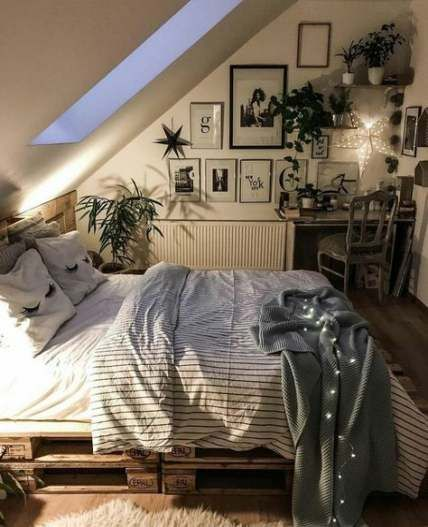 46 Ideas For Vintage Room Decored Aesthetic Vintage Bedroom Vintage Aesthetic Bedroom Bedroom Layouts