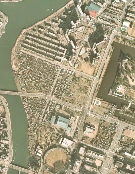 Genbaku_Slum 1974 Hiroshima, Japan : 1974年基町再開発事業途中の原爆スラム周辺