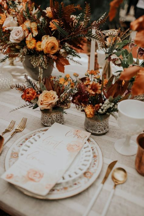 Rusting wedding - If You Love the Trending Rust and Orange Color Palette, This Retro Wolf Feather Honey Farm Wedding Inspiration is for You – Rusting wedding Farm Wedding, Boho Wedding, Floral Wedding, Dream Wedding, Orange Wedding Decor, Orange Wedding Colors, Lilac Wedding, Wedding Pins, Wedding Vintage