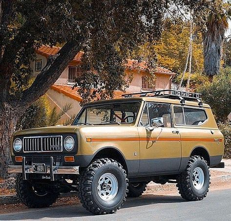 This is a photo album with pictures of International Scout classic trucks The International Scout is rapidly becoming more and . International Scout Ii, International Harvester Truck, Scout Truck, Classic Trucks, Classic Cars, Chevy Trucks, Pickup Trucks, Cool Trucks, Dream Cars