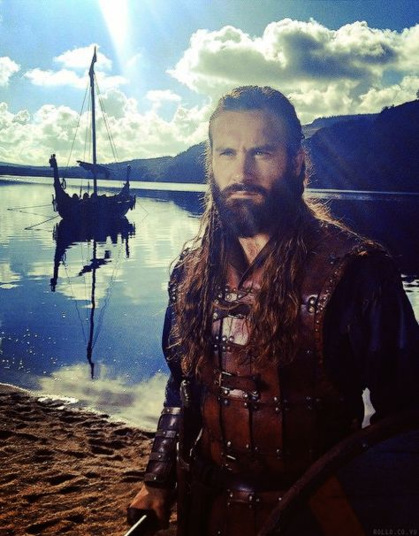"Clive Standen - Rollo Lothbrok, ""Vikings"""