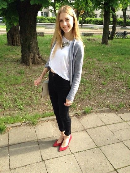 White Top + Statement Necklace + Gray Cardigan + Black Skinny Jeans + Red Pointed Heels