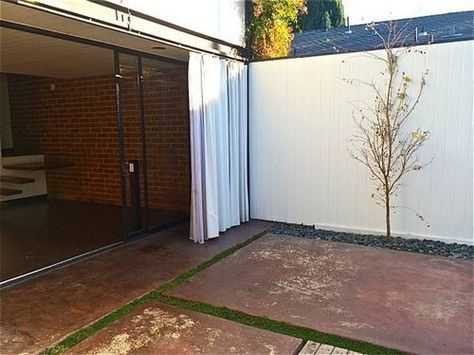 Rent in Craig Ellwood's Modern Courtyard Apts. in ...