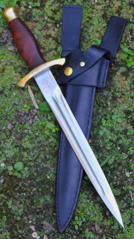 Au Fil De La Lame : Blades,, Swords,, Axes,