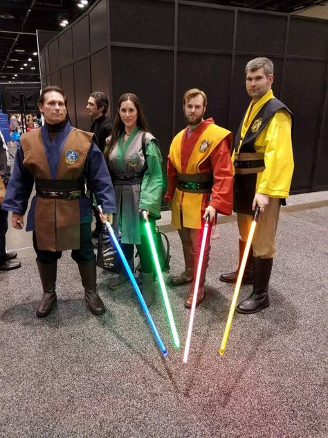 There's nothing like a single-fandom convention when it comes to cosplay.so here are The Geekiary's Star Wars Celebration Orlando cosplay highlights! Nerd Costumes, Cosplay Costumes, 50s Costume, Vampire Costumes, Hippie Costume, Cosplay Ideas, Costume Ideas, Celebration Orlando, Star Wars Celebration