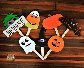 Decorative Wooden Halloween Yard Stakes Etsy Halloween Yard Outside Halloween Decorations Halloween Outdoor Decorations