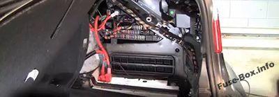 Bmw 5 Series E60 E61 2003 2010 Fuse Box Location Bmw 5 Series Windscreen Wipers Fuse Box