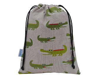 ..SCHOOL GREEN CAMO KIT BAG DRAWSTRING PERSONALISE.WATERPROOF FABRIC.WRITE-ON