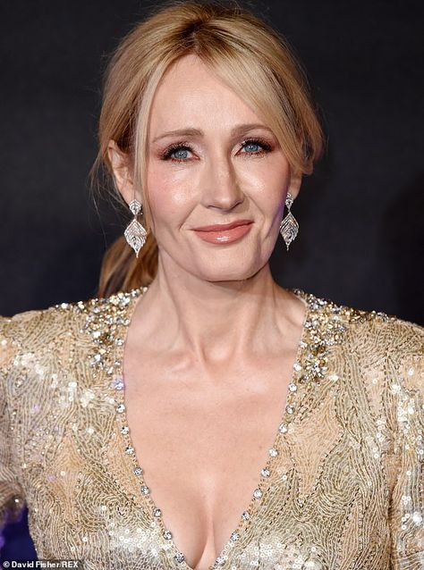 Bookstore Bans Harry Potter Books To Make Shop Safer Space In 2020 Most Popular Books Famous Singers Rowling