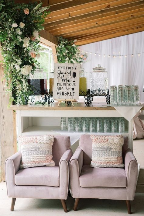 The Barn Of Chapel Hill Spring Wedding By C And D Events In 2020