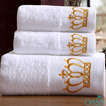 Manufacturer Of Wholesale Designer Golden Crown White Hotel Towels