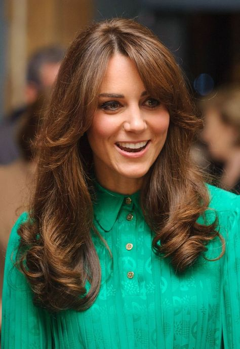 Copy Kate Middletons 70s Angled Bangs The Princess Diaries