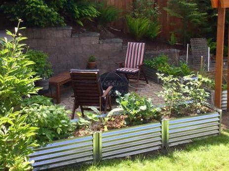 Narrow Largo Metal Garden Beds In 2020 Metal Garden Beds Garden Beds Garden In The Woods