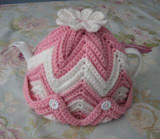 Pretty Pink & White Ripple Tea Cozy!