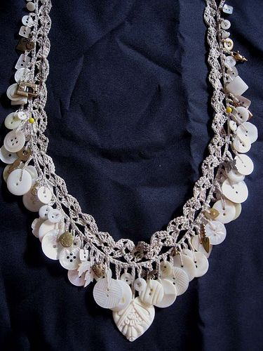 crocheted button necklace--no pattern, but great for idea