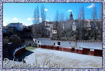 Peculiar Plaza De Toros En Rubielos De Mora Plaza De Toros Toros Plaza