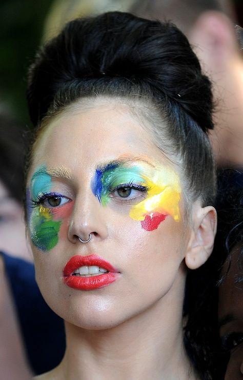 Lady gaga, paint pallet makeup