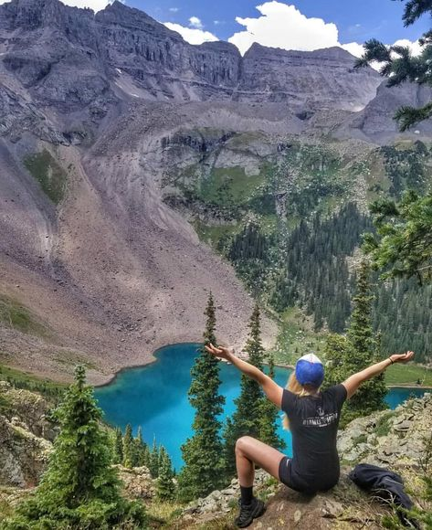 Blue Lakes In Colorado Features Three Turquoise Lagoons - Narcity Colorado Springs, Colorado Lakes, Road Trip To Colorado, Telluride Colorado, Colorado Hiking, Road Trip Usa, Colorado Mountains, Colorado In The Summer, Paisajes