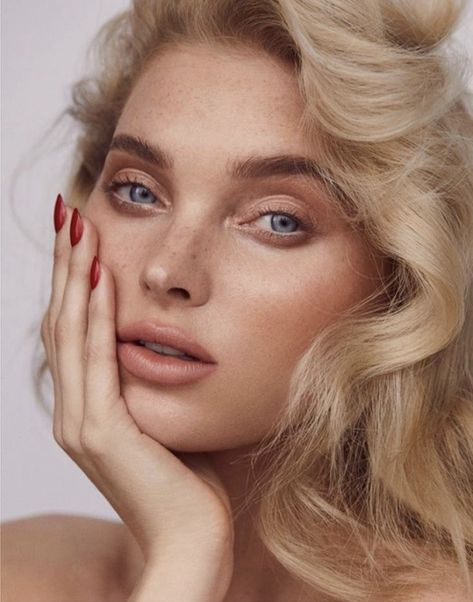 Elsa Hosk Turns Up The Heat for Issue Magazine Elsa Hosk lands two covers for the Fall 2018 cover of Issue Magazine. In front of the lens of Zoey Grossman, the Swedish beauty wears a denim look for the first image.