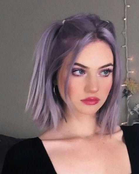 Short Dyed Hair, Half Dyed Hair, Dyed Hair Ombre, Dyed Hair Purple, Dyed Blonde Hair, Hair Color Pink, Hair Dye Colors, Purple Hair Streaks, Pink Short Hair