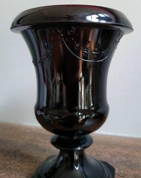Vintage Glossy Black Urn Planter Urn Planters Vintage 400 x 300
