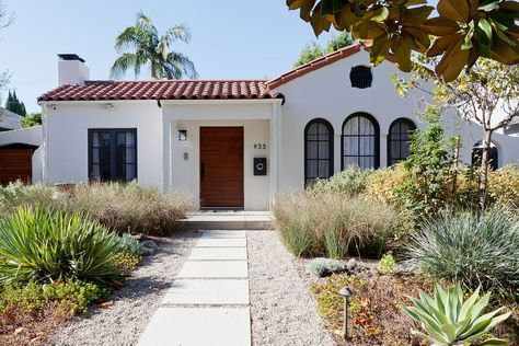 Http Www Ruemag Com Home Tour 2 A Stunning Before After By 22 Interiors Spanish Revival Home Spanish Style Homes Spanish Bungalow