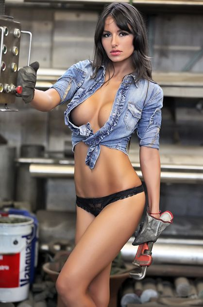 Hot girl mechanic xxx
