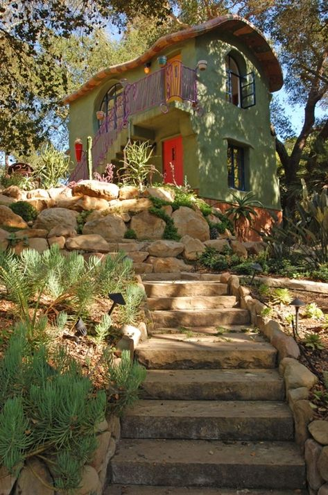 View of Oak Tree House by Jeff Shelton Architect Amazing Architecture, Sustainable Architecture, Residential Architecture, Contemporary Architecture, Hut House, Recycled House, Earthship Home, Fairytale House, Natural Homes
