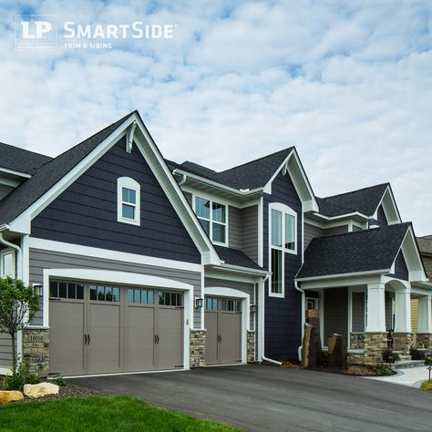 Clever Combination Of Lp Smartside Lap Siding And Cedar Shakes Built By Homes By Tradition Exterior House Siding House Exterior House Paint Exterior